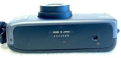 Nikon Zoom 310 AF QD, Bottom