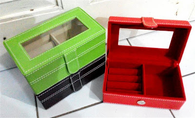 Box Perhiasan / Jewellery Box Vinyl Kecil