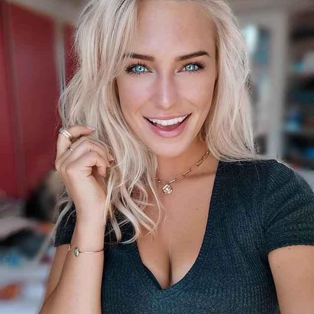 Eva Mikulski 17
