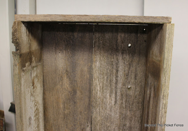 reclaimed wood, http://bec4-beyondthepicketfence.blogspot.com/2015/07/project-challenge-reclaimed-wood.html