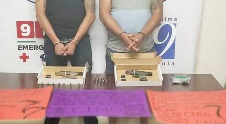 Caen dos integrantes del CJNG con armas, droga y cartulinas en Tijuana