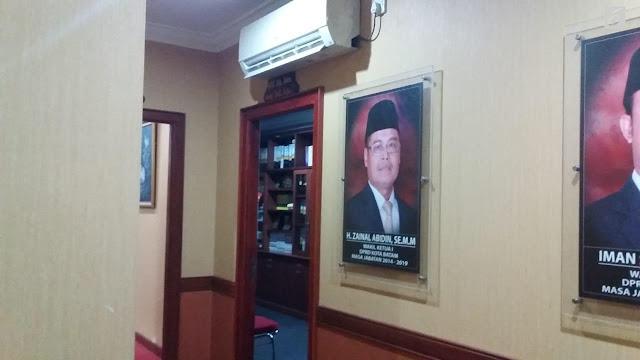 Ruangan Wakil Ketua DPRD dijadikan Tempat Mesum Oleh 2 Stafnya