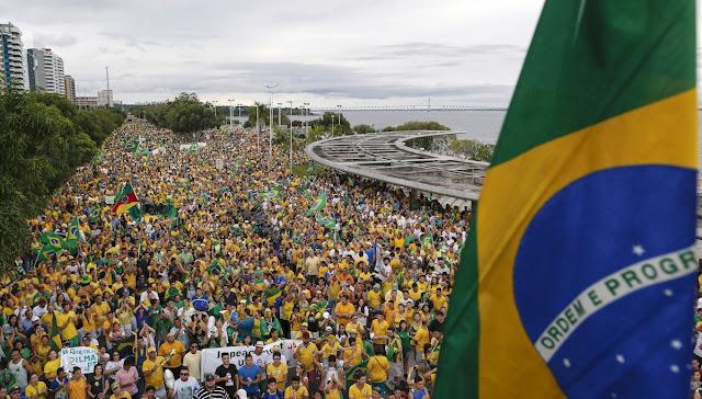 Dilma disse na terça-feira que não vai renunciar em qualquer circunstância