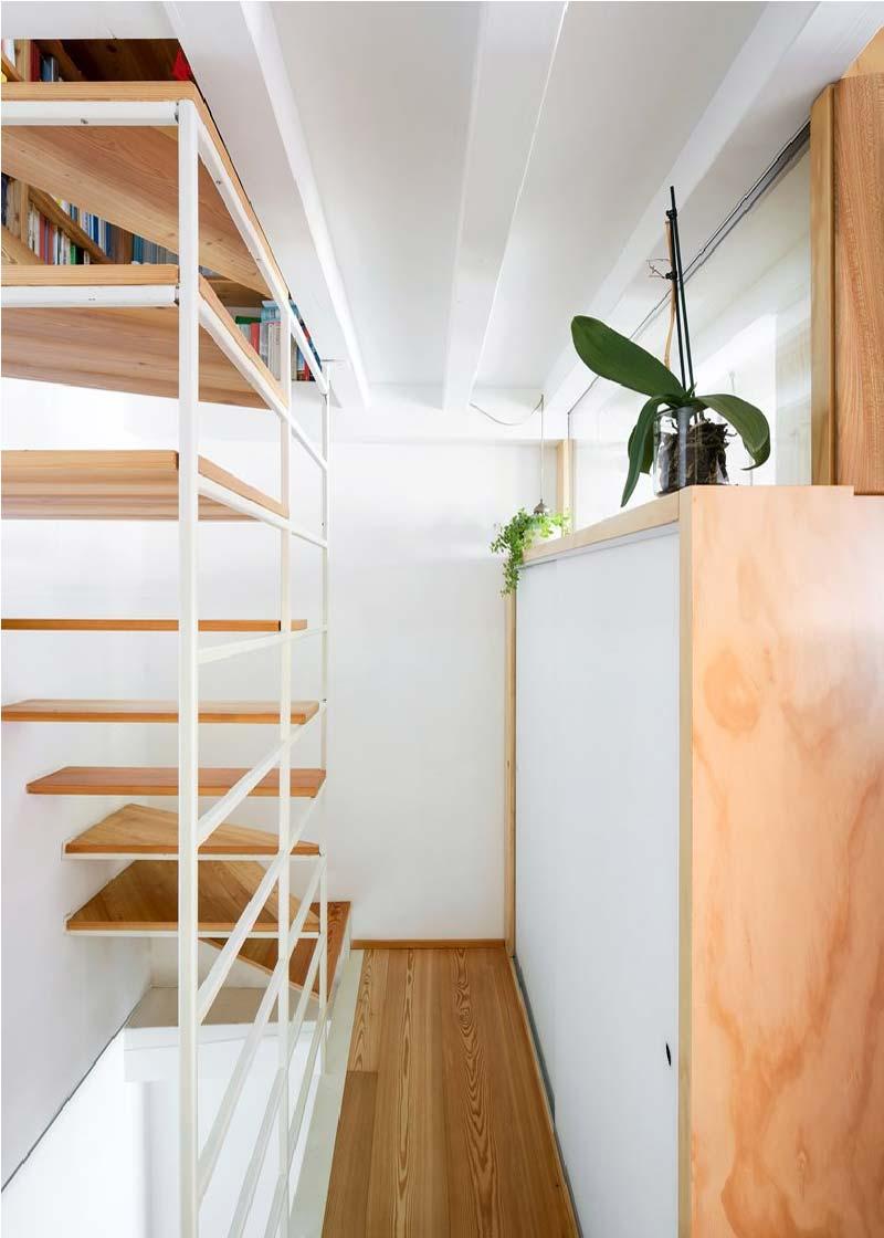 scala in ferro e legno Cyan House