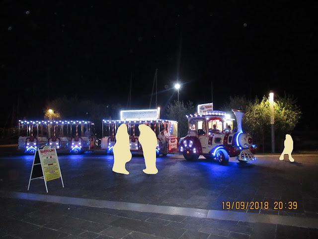 abends in Bardolino - mit dem tollen Zug kann man die Umgebung erkunden