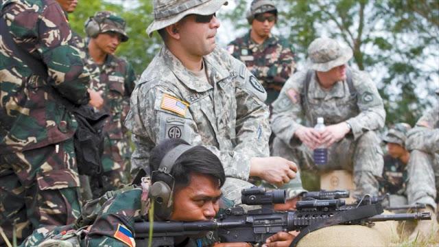 Suben las tensiones: EEUU cesa venta de 26.000 rifles a Filipinas