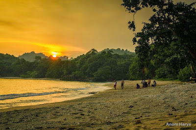 akcayatour, Pantai Kondang Merak, Travel Jogja Malang, Travel Malang Jogja, Wisata Malang