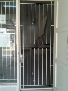 10 Model Terbaru Teralis pintu Minimalis Inspiratip Rumah Masa Kini 4
