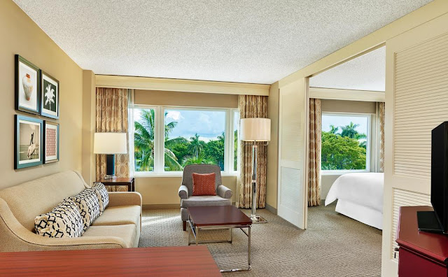 Surrounded by swaying palms, Sheraton Suites Fort Lauderdale Plantation boasts an eclectic and welcoming design. Our all-suite, full-service hotel is within walking distance to the Westfield Broward Mall, close to major office complexes and just 10 minutes from Fort Lauderdale 's famous beaches.