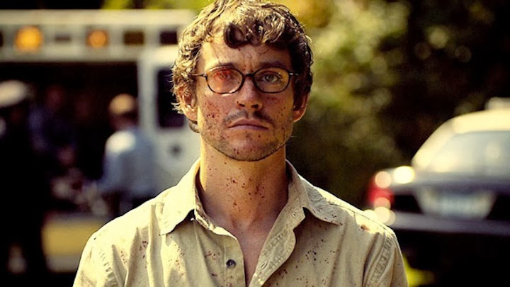 Hugh Dancy, cubierto de sangre, en un episodio de Hannibal