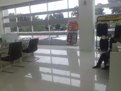 Ruang Showroom Dan Bengkel Honda Mitra Lenteng Agung