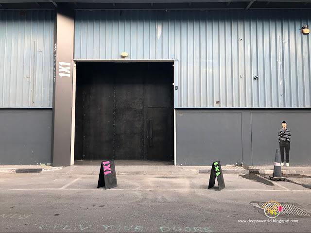 1X1 Gallery-HuesnShades