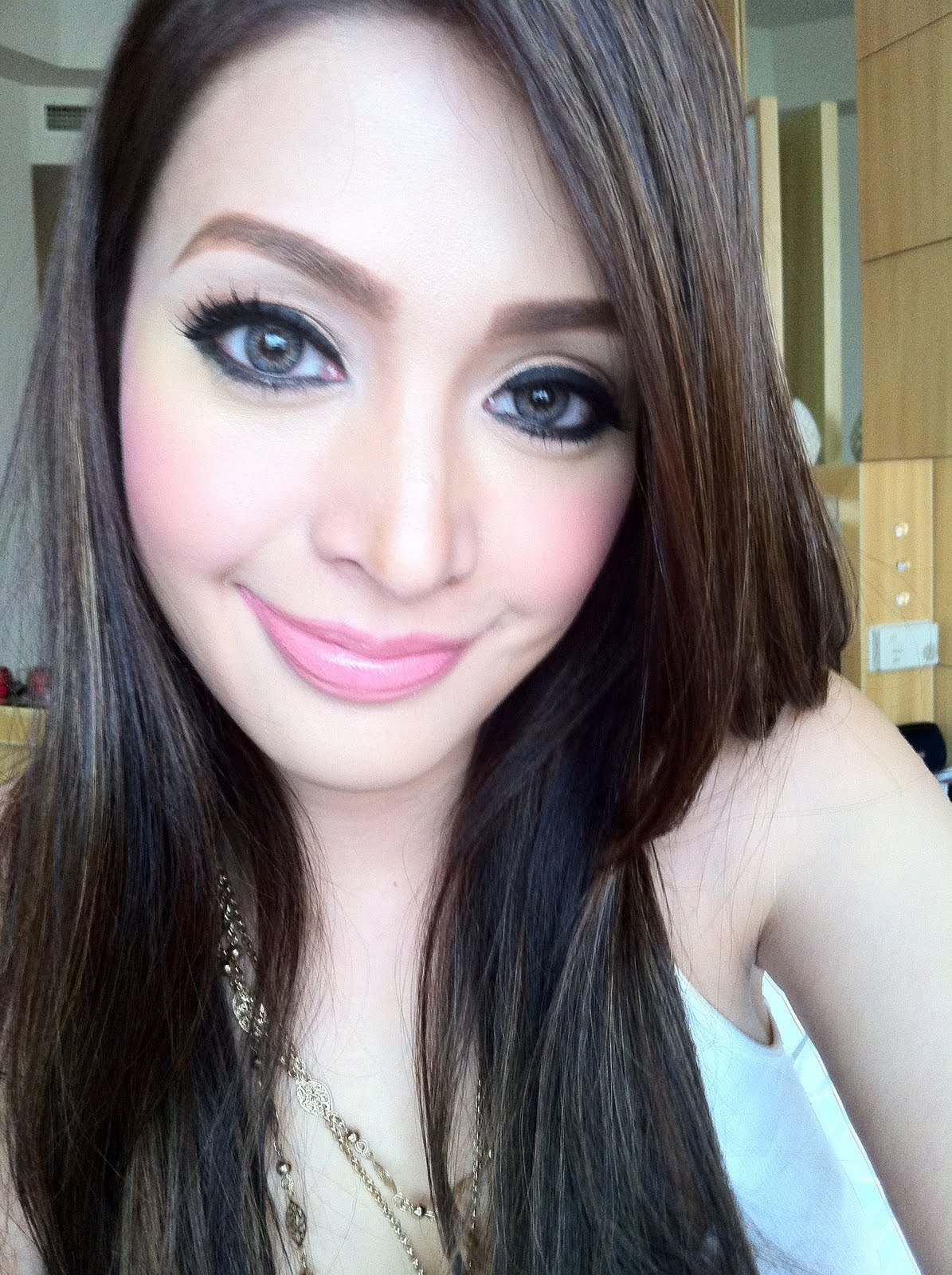 10 Stunningly Simple Tutorials For The Best Eye Makeup: SENSUAL PINAYS: PALOMA ESMERIA