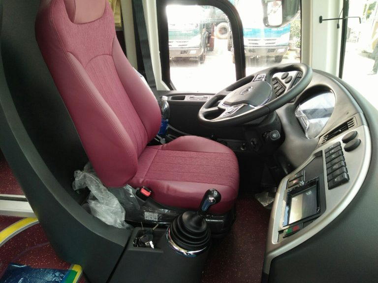 Khoang lái xe khách 29 chỗ Thaco TB85S