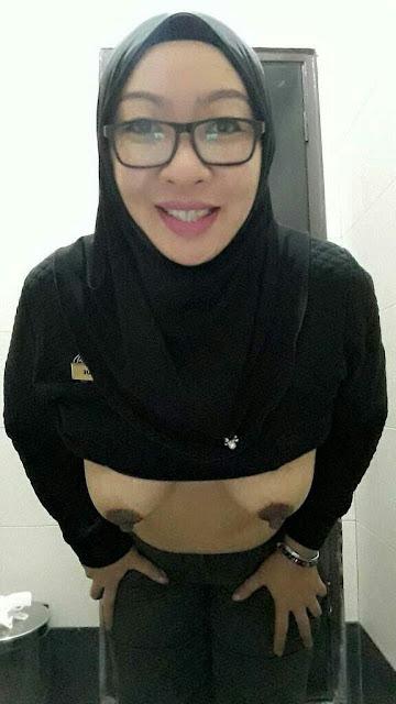 tante jilbab cantik telanjang 06