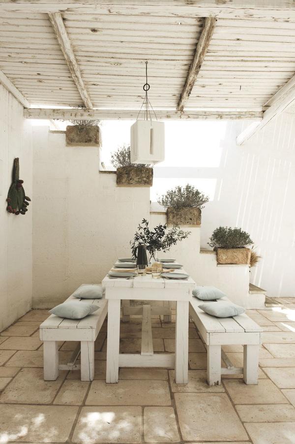 Una masseria per le vacanze in puglia for Arredo italia