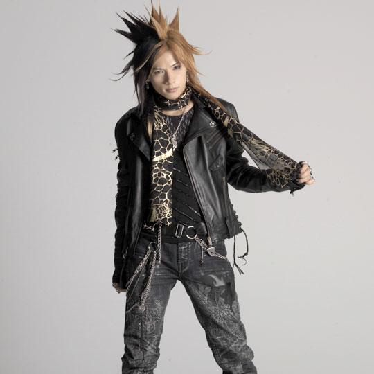 FASHION: h naoto (Sixh ) | VKH Press – Japanese Visual Rock