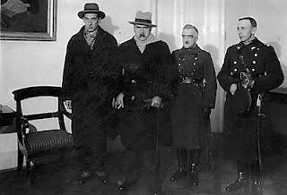 Belweder - przed wyjazdem do Genewy. Od lewej: Józef Beck, Józef Piłsudski, mjr Bielski, mjr Zembrzuski-12.1927