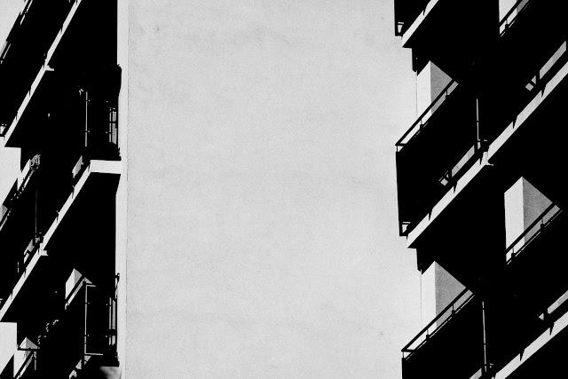 Sosnowiec. Fotografia krajobrazu miejskiego. Fotografia koncepcyjna. Abstrakcja. Kompozycja. Fotografia odklejona. fot. Łukasz Cyrus