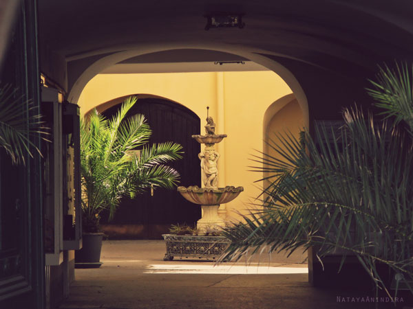 #architecture #garden #mediterranean #yellow #vintage #fountain