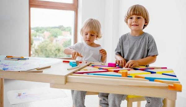 Mesa multifuncional para os pequenos