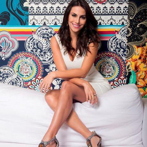 Mel Fronckowiak Biodata Profil Artis Brasil Cantik Seksi