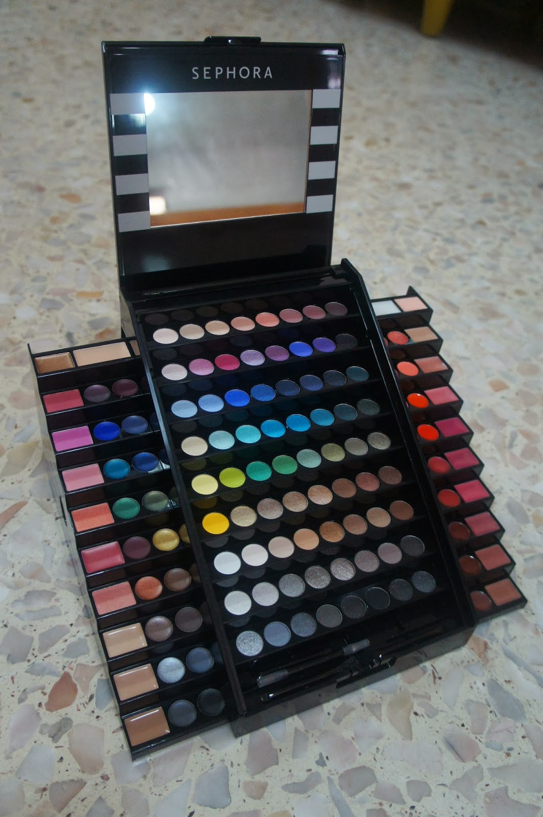 A Glad Diary: Makeup Academy Palette by Sephora