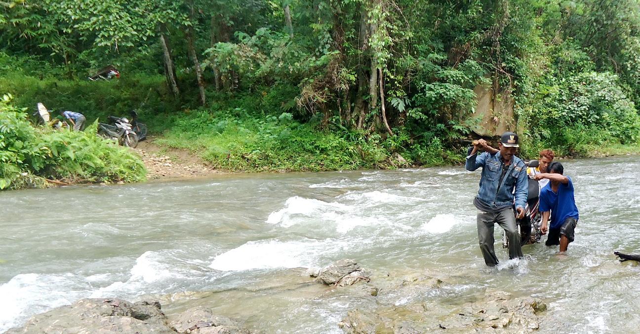 Asemi Nunulai, Desa Miskin di Belantara Rimba Asera | MEDIA