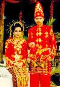 Pakaian Adat Sulawesi Tenggara Pakaian Tradisional Sulawesi Tenggara