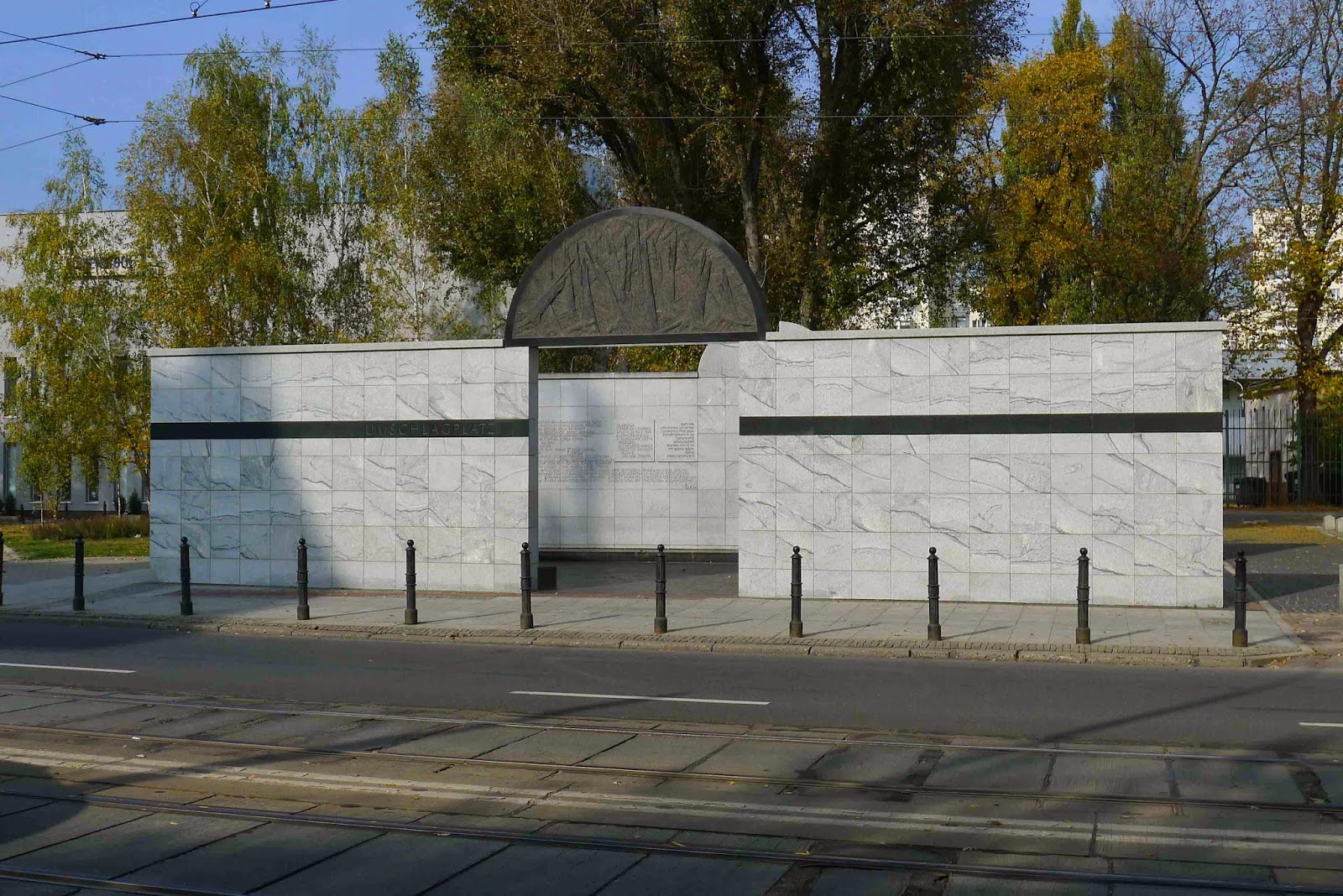 Umschlagplatz Memorial