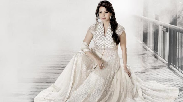 Juhi Chawla - Bollywood Queen Of Romantic Comedy Sets Her Own Rule!