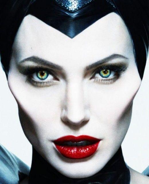 Romana Blogs Maleficent Makeup