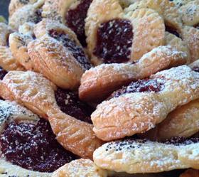 Sausainukai širdelės su vyšnių džemu