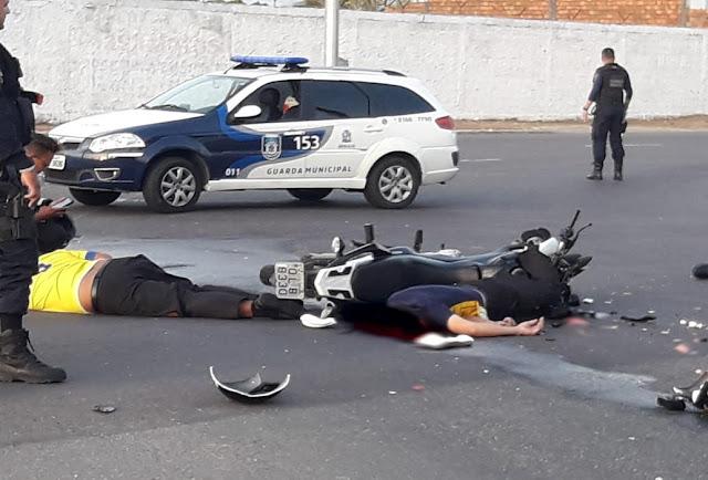 Motoboy morre e passageiro fica ferido após acidente em Aracaju
