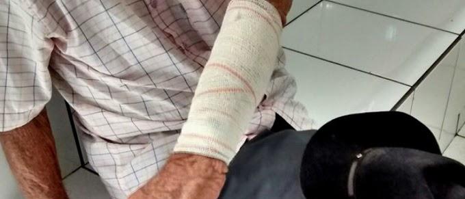 Homem é preso em flagrante após agredir pai de 90 anos em MG
