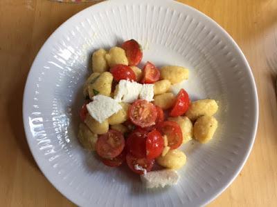 Salat mit Gnocchi