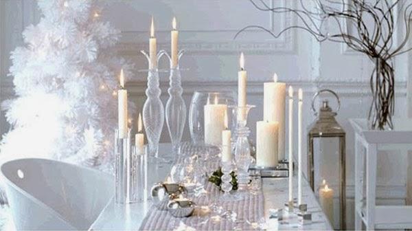 Árvores de Natal branca e prata