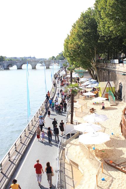 法國巴黎塞納河畔