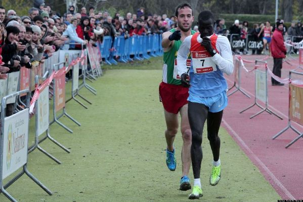 When the race leader Kenyan Abel Mutai mistakenly thought he had finished and won, Ivan Fernandez Anaya caught up with him and guided him to the finish line instead of running past him