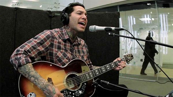 "Mike Herrera acoustic cover Goldfinger's ""Superman"""