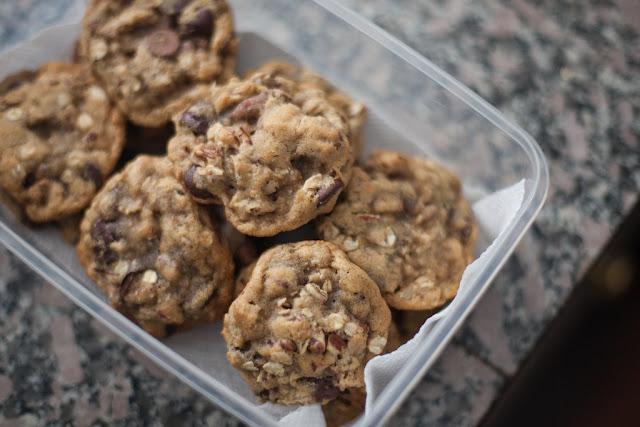Biscuits aux pépites de chocolat et aux noix