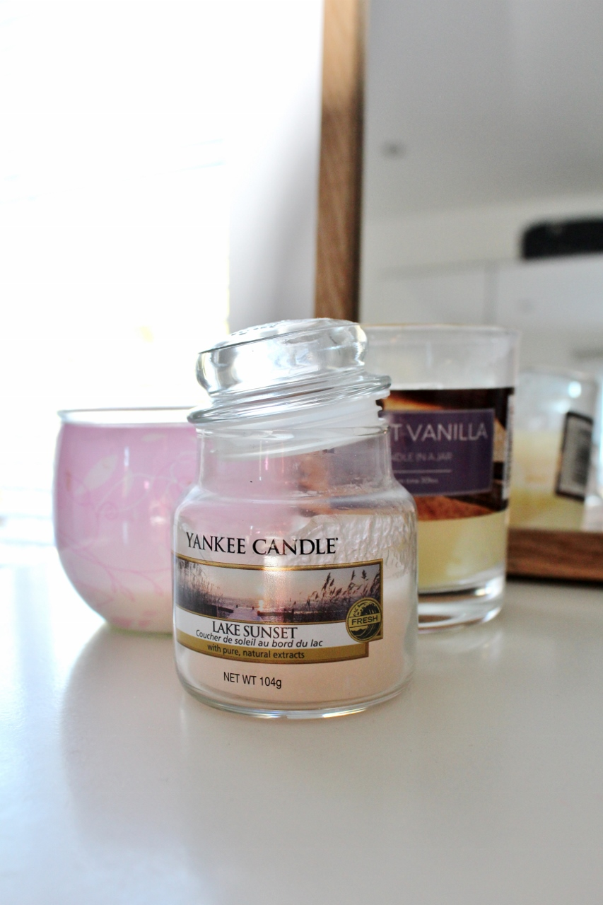 Lake Sunset Yankee Candle jar