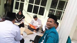 Kaji Kitab Syuabul Iman, KUA Jatiwangi Lestarikan Tradisi Kitab Kuning di Kalangan Penyuluh