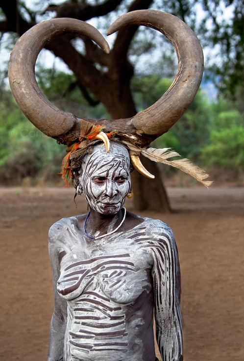 1-tribus-de-africa-mujer-mursi-etiopia-b