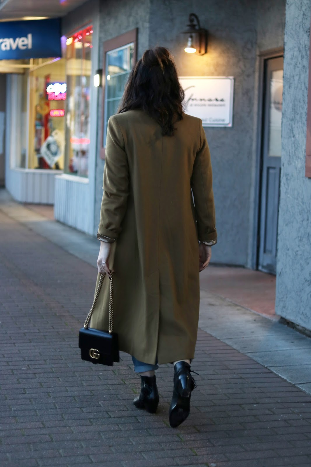winter weekend outfit camel wool coat boyfriend jeans ankle boots vancouver  blogger gucci marmont bag 5f1aacfc75c8
