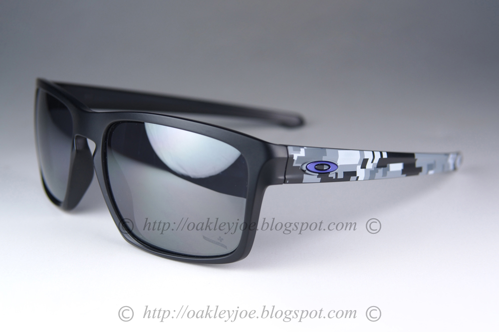 39ed69ff69d40 lens pre coated with Oakley hydrophobic nano solution complete Oakley  package include box and microfiber pouch