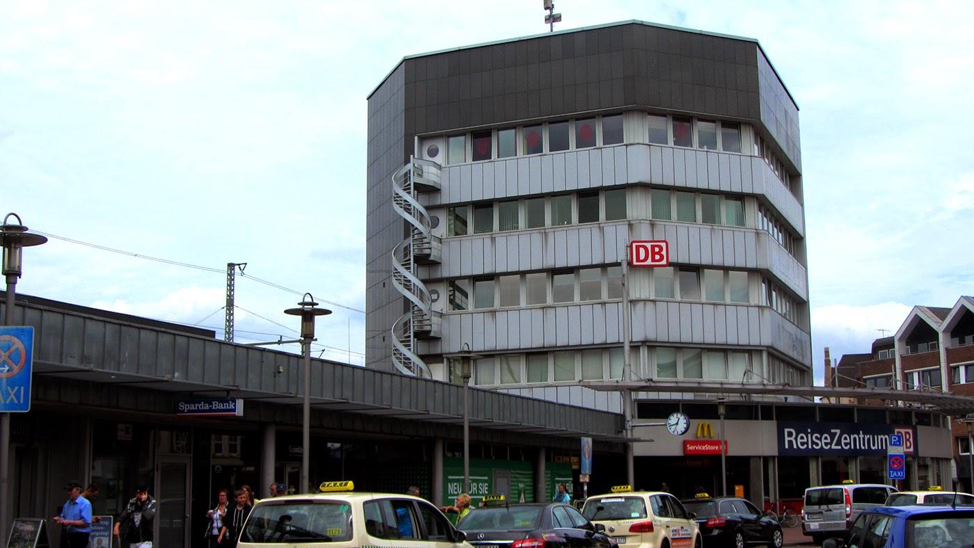 railway stations germany neumunster bahnhof neum nster. Black Bedroom Furniture Sets. Home Design Ideas