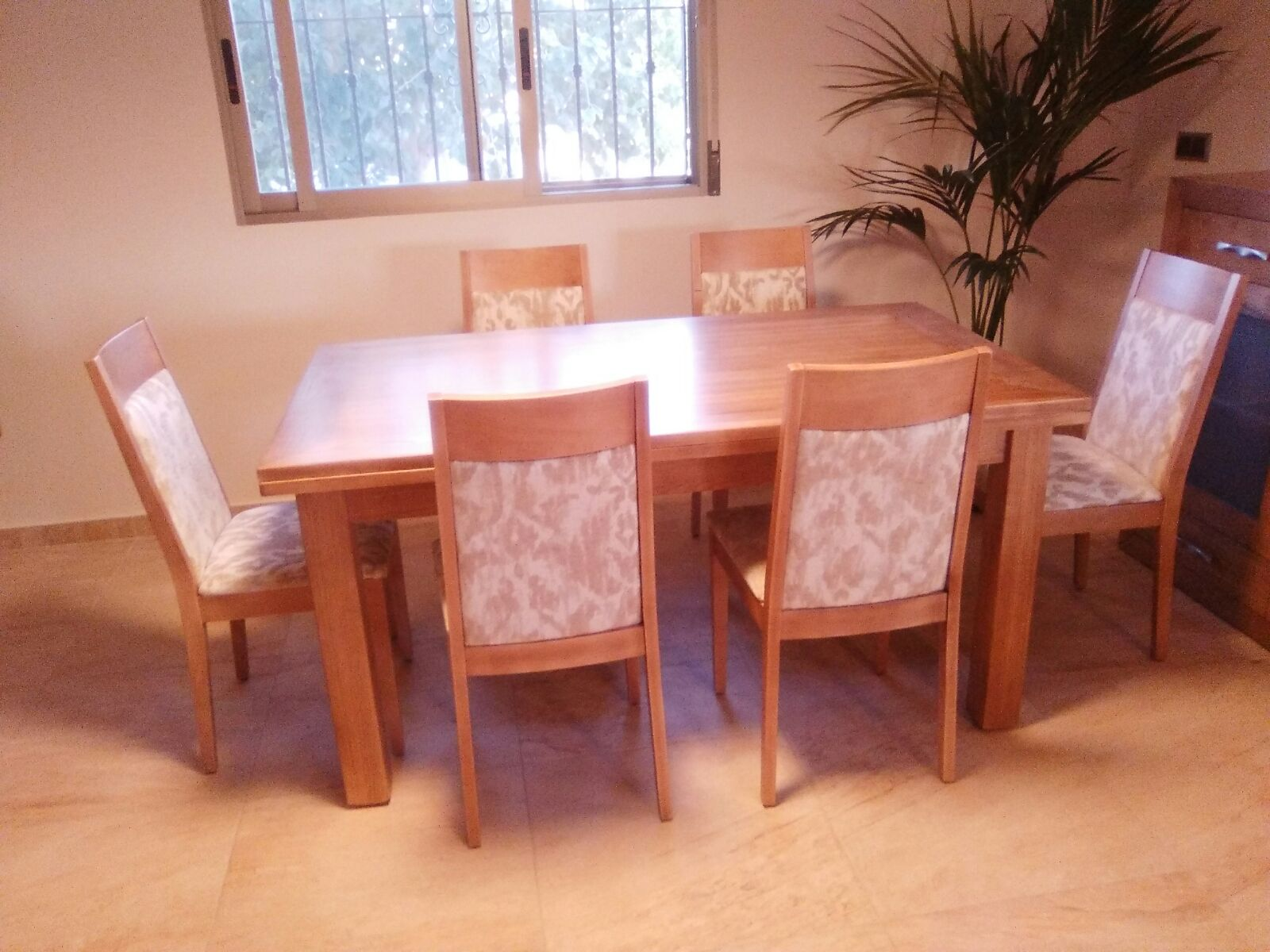 Muebles arcecoll comedor a medida de madera maciza de fresno - Muebles de madera a medida ...