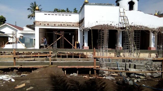 Pembangunan masjid As-Sholihin Cakru