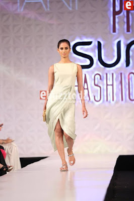 Misha-lakhani-caravan-collection-at-pfdc-sunsilk-fashion-week-2017-8